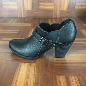 JACLYN SMITH DELANEY High Heel Ankle Booties
